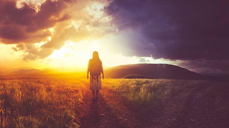 33 Inspirierende Zitate Die Deine Welt Auf Den Kopf Stellen