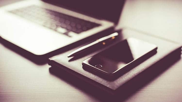 All-Black-Working-Setup-Diary-and-iPhone_cropped-45.jpg